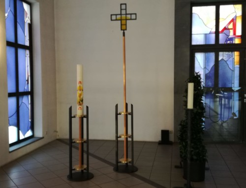 Vortragekreuz und Osterleuchter